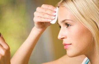 Jak zrobić demakijaż wodoodpornych kosmetyków kolorowych?